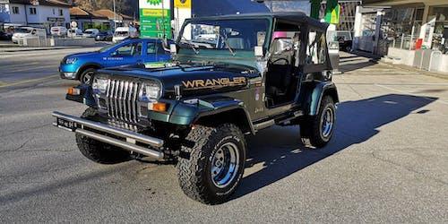 Jeep Wrangler 4.0 242'000 km CHF16'900 - buy on carforyou.ch - 2