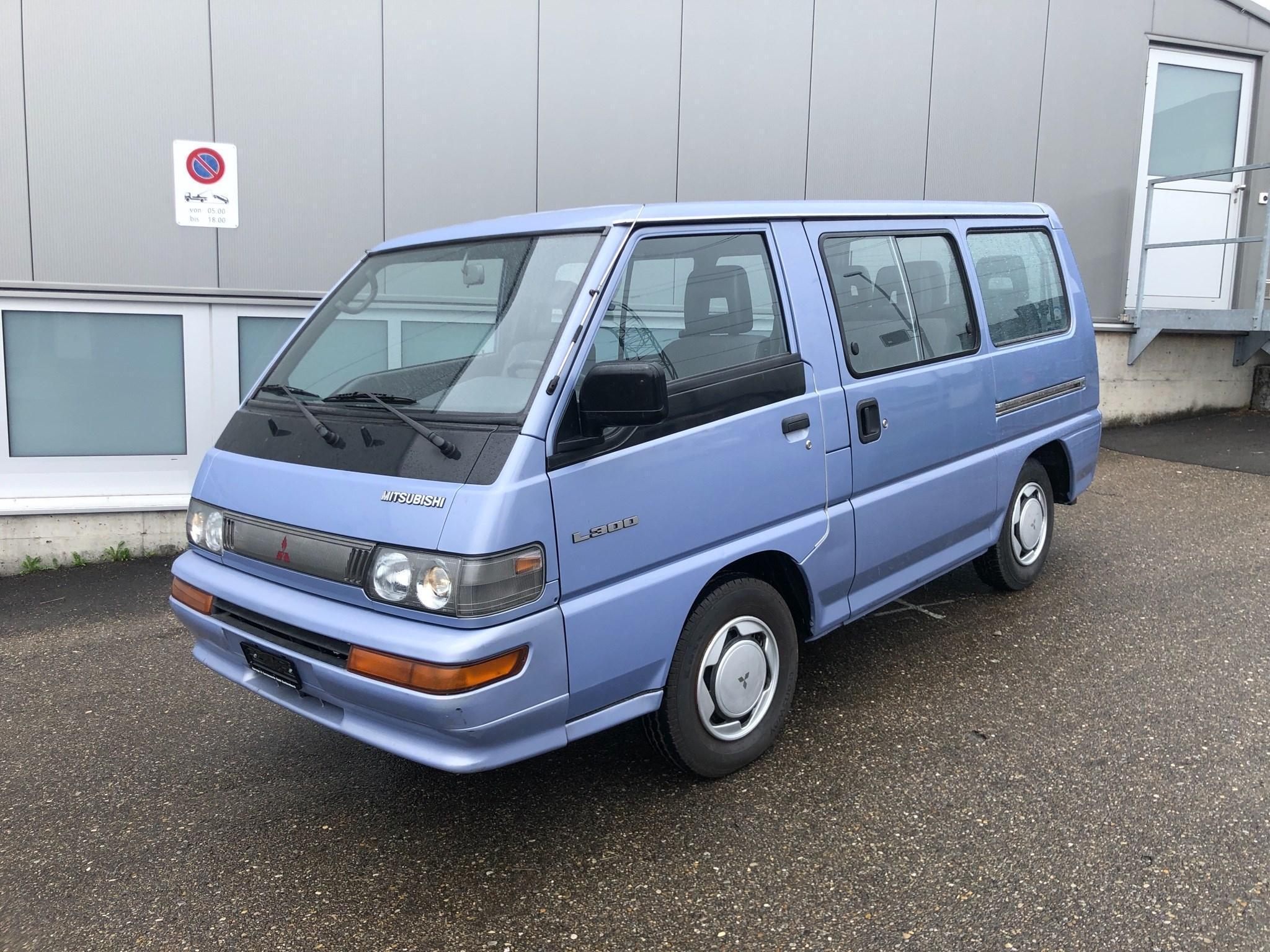 bus Mitsubishi L300 L 300 GLX 2.3 P04W