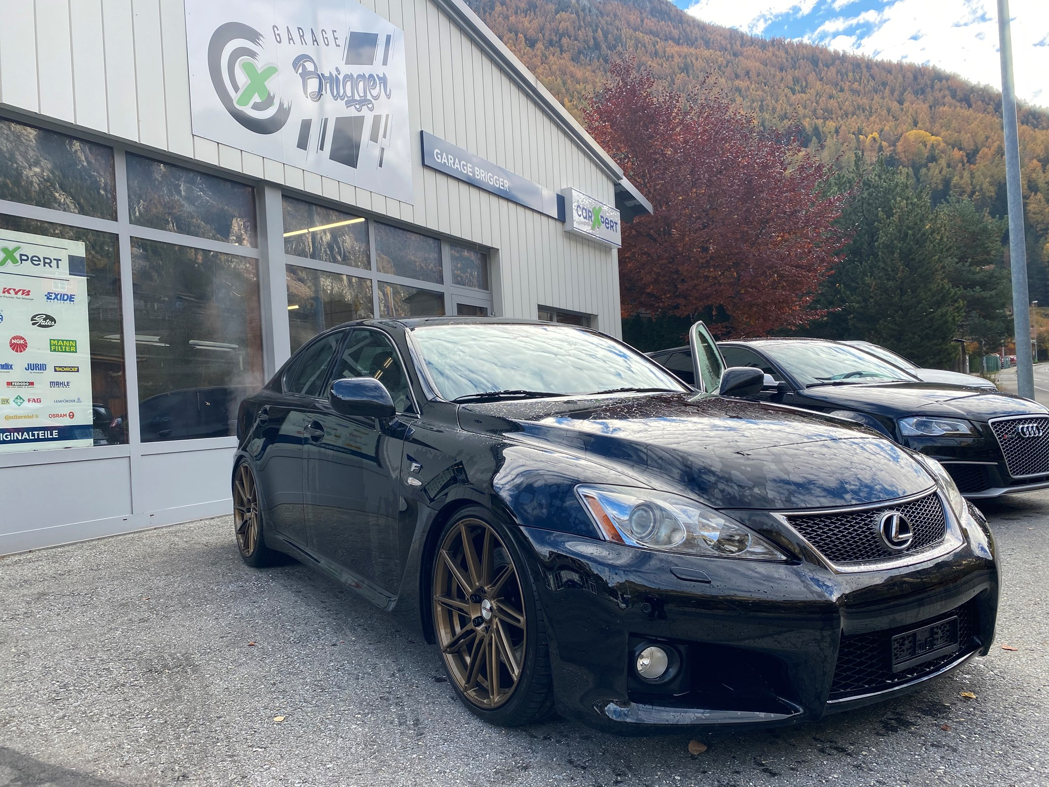 saloon Lexus IS -F Automatic