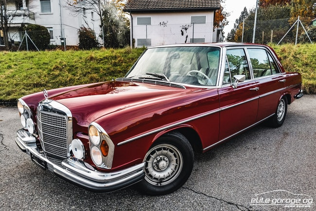 saloon Mercedes-Benz 300 SEL 3.5 V8