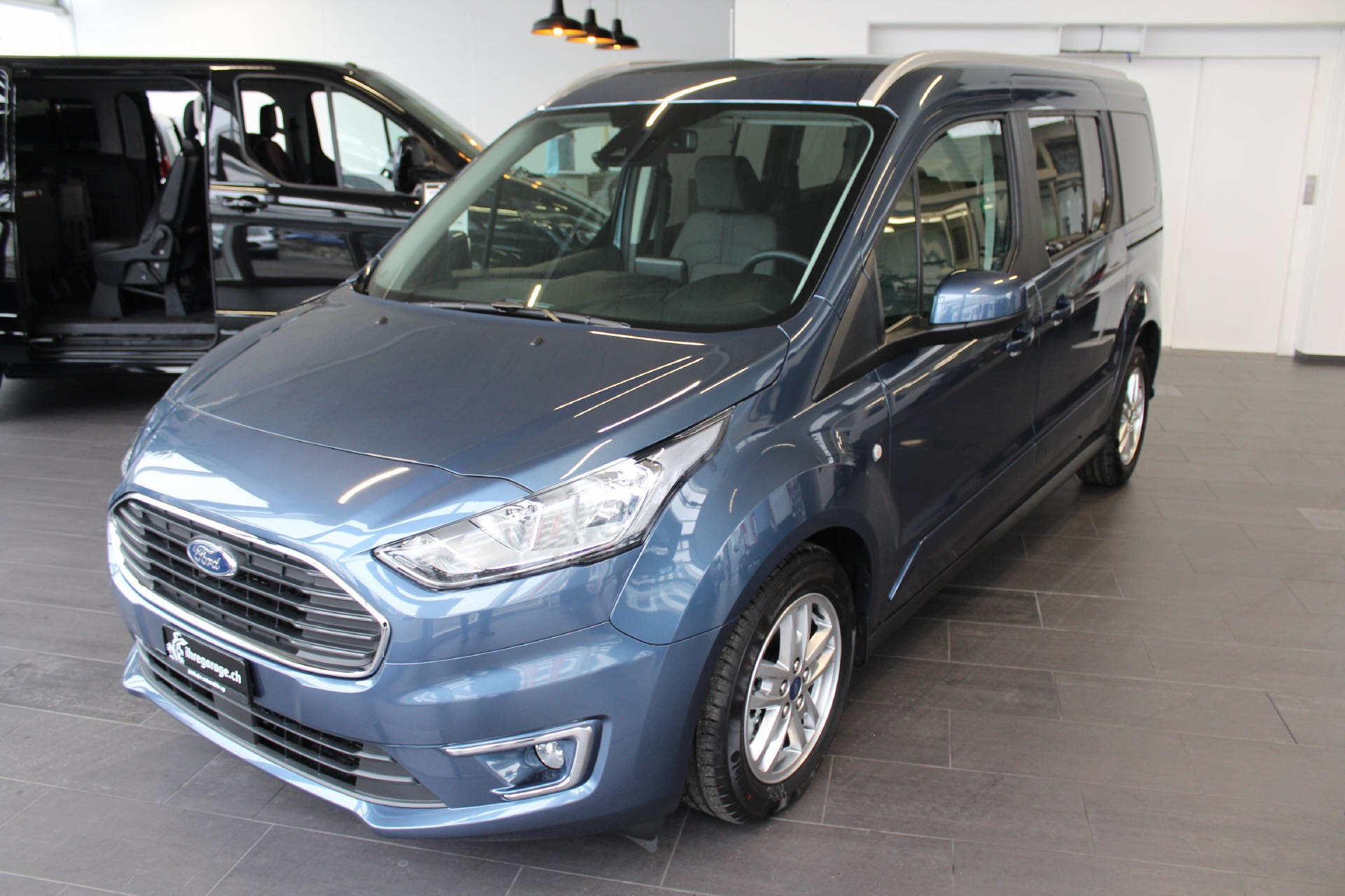 bus Ford Connect TOURNEO CONNECT Grand 1.5 EcoB Titanium