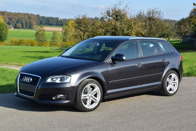 saloon Audi A3 Sportback 2.0 TFSI Ambition quattro S-tronic