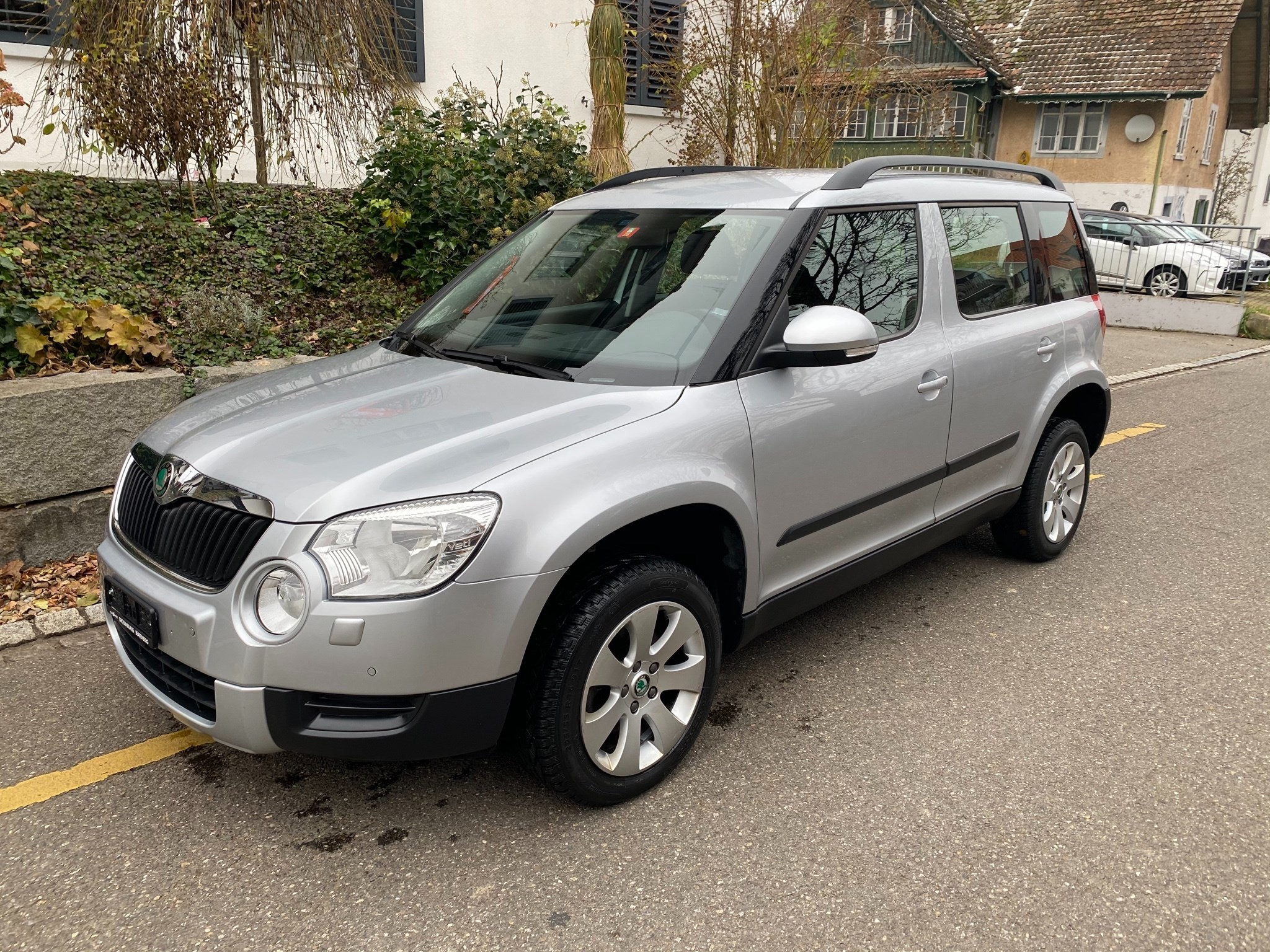 Buy Suv Skoda Yeti 2 0 Tdi Alldrive 4x4 Dsg 120000 Km At 9450 Chf On Carforyou Ch