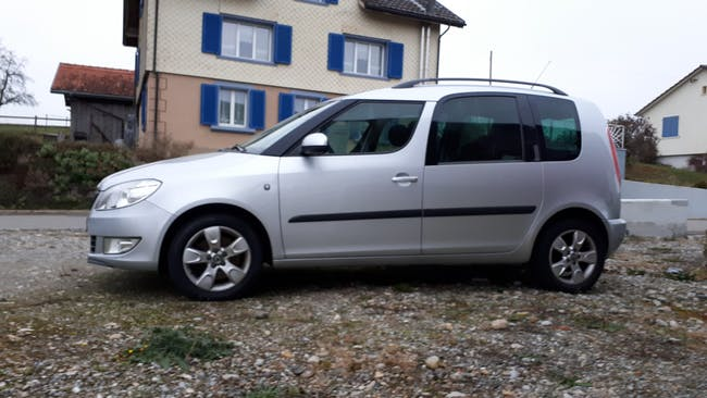 Skoda Roomster 1.2 TSI Elegance Kompaktvan/Minivan MFK 160'000 km CHF4'900 - buy on carforyou.ch - 1