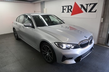saloon BMW 3er 320i Sport Line