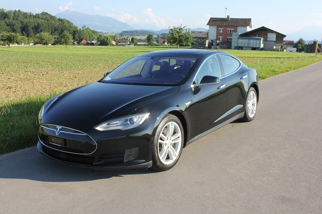 saloon Tesla Model S 70 D mit Autopilot und Supercharger