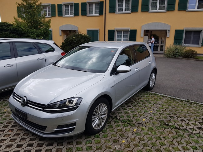 saloon VW Golf VII 2.0 TDI Cup 4m