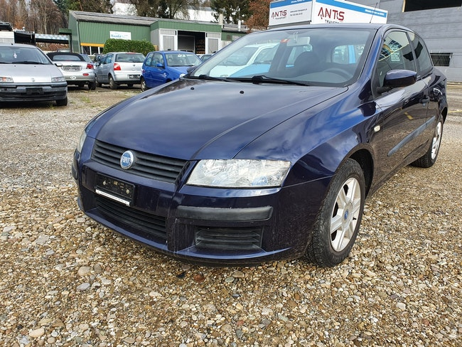 saloon Fiat Stilo 1.6 16V Active