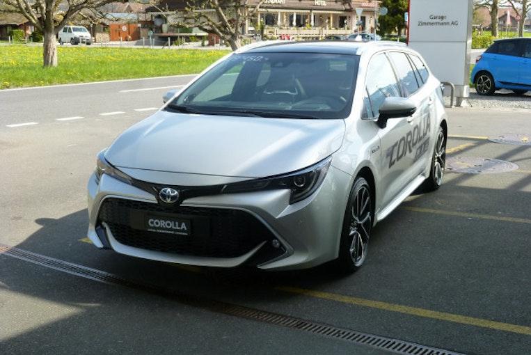 Toyota Corolla TS 2.0HSD Premium 5'000 km CHF36'900 - kaufen auf carforyou.ch - 1