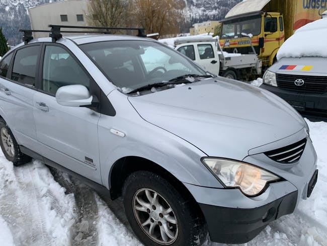 SsangYong Actyon 230 4WD Deluxe Automatic 121'000 km CHF2'900 - kaufen auf carforyou.ch - 1