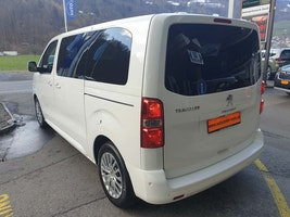 Peugeot Traveller Std.2.0 BHDi 180 PS AT8 50 km 46'900 CHF - buy on carforyou.ch - 3
