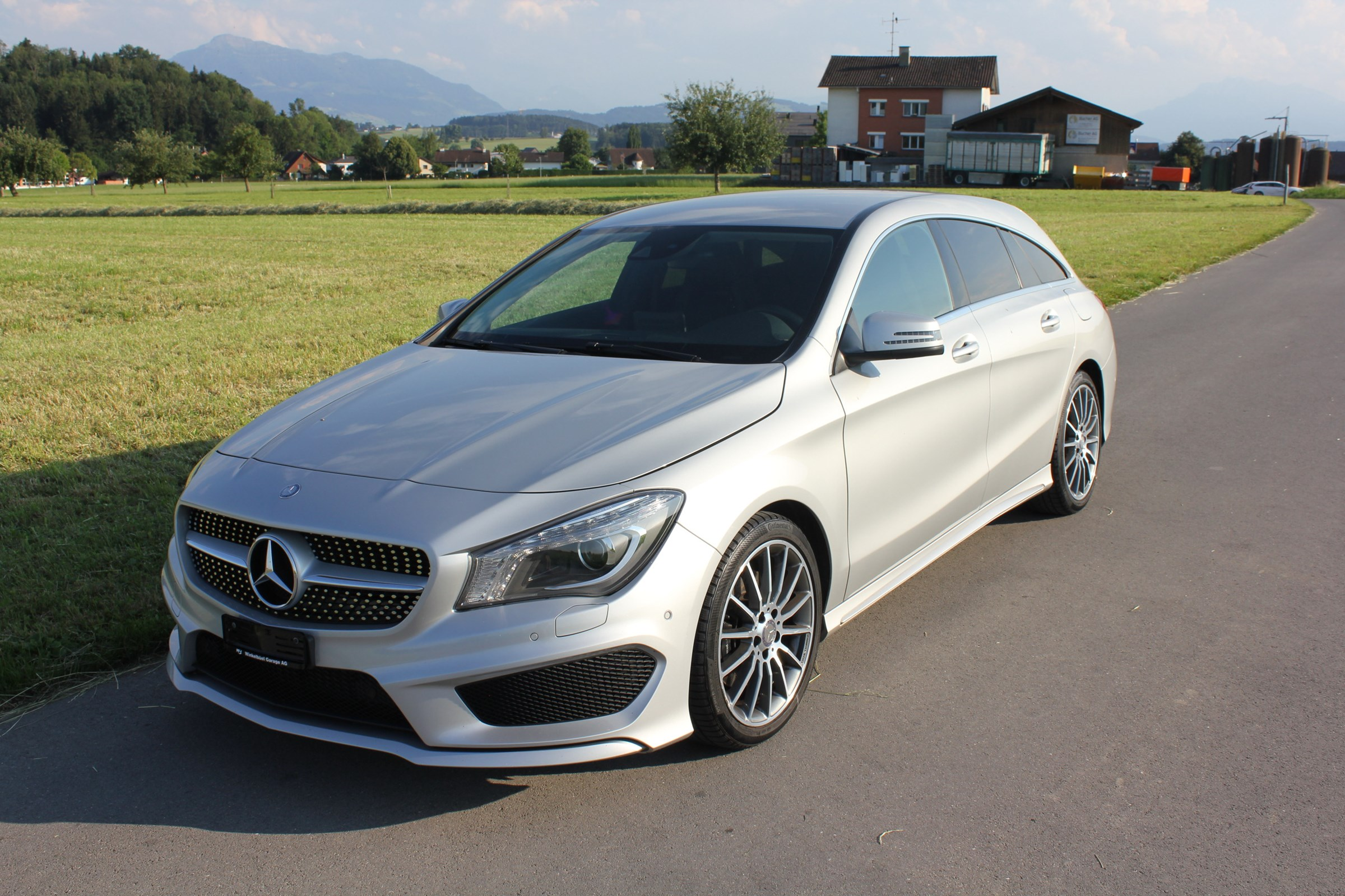 estate Mercedes-Benz CLA-Klasse CLA 250 CLA Shooting Brake 250 AMG Line