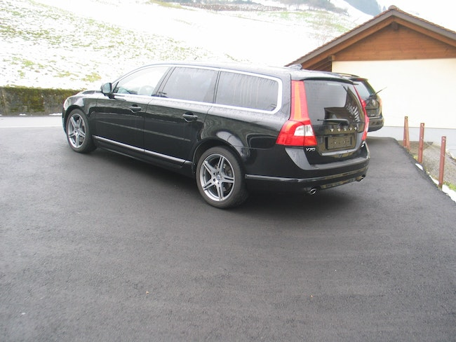estate Volvo V70 D5 AWD Momentum Geartronic