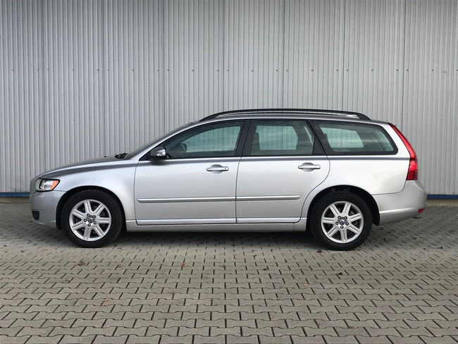 estate Volvo V50 2.4 Momentum Geartronic