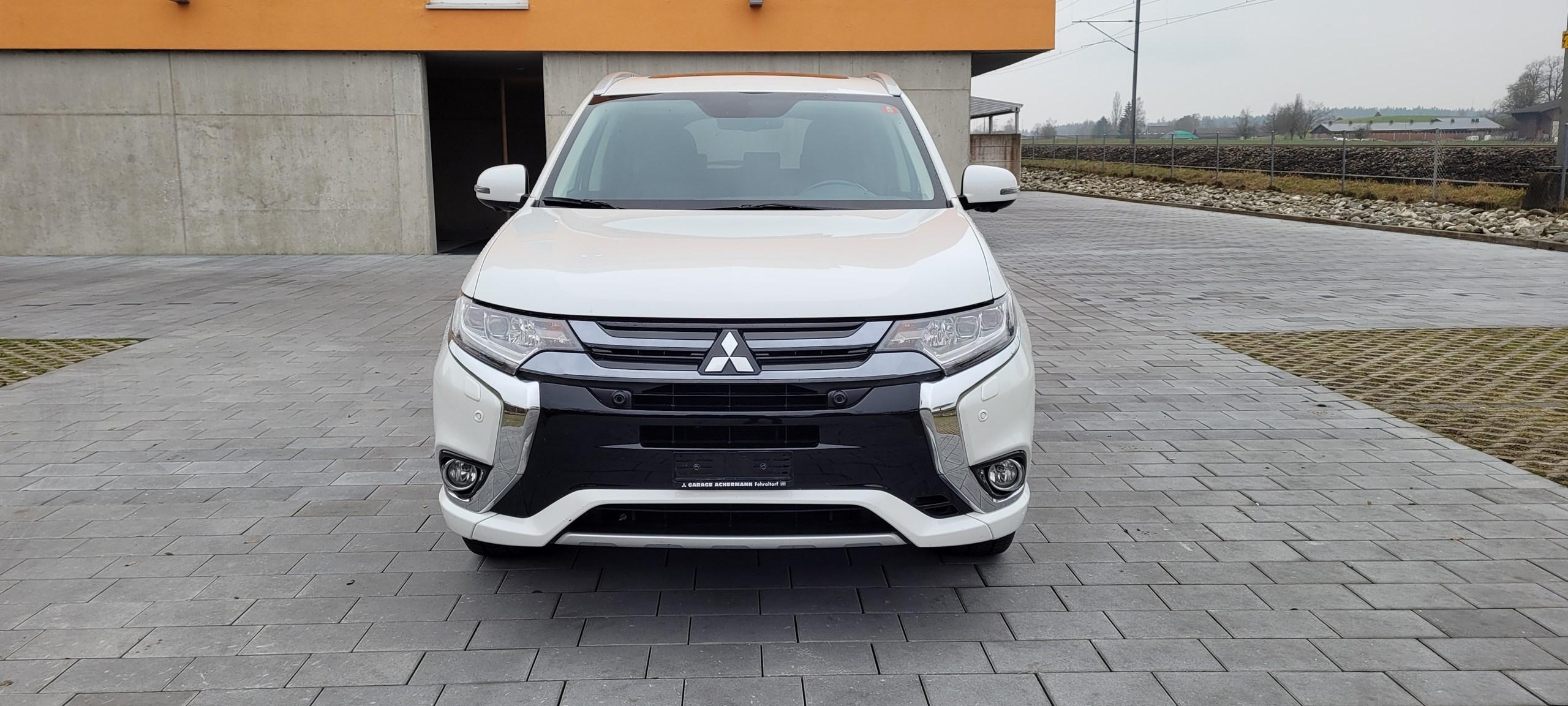 suv Mitsubishi Outlander 2.0 PHEV Diamond 4WD Automatic