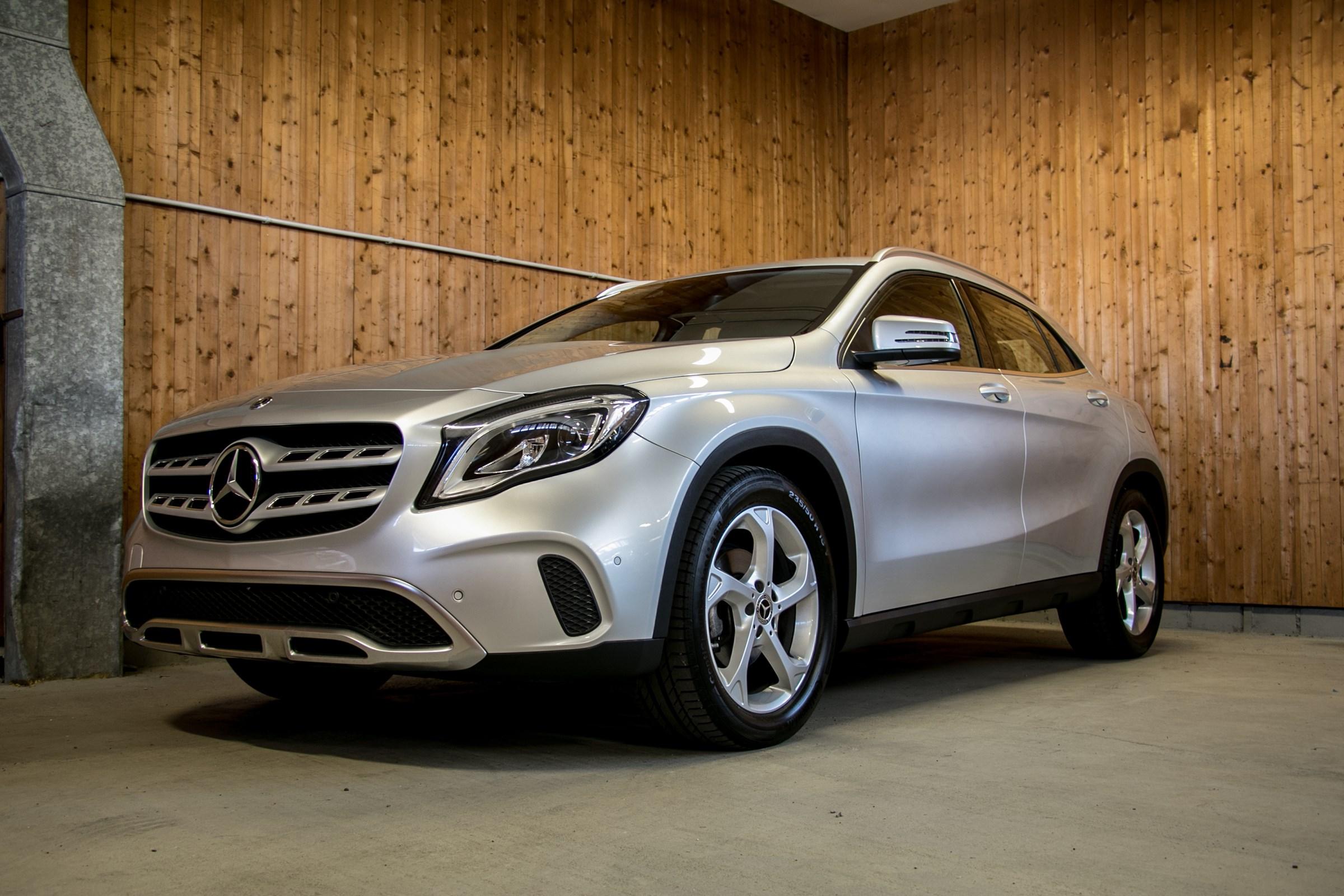 suv Mercedes-Benz GLA-Klasse GLA 200 d Urban 7G-DCT