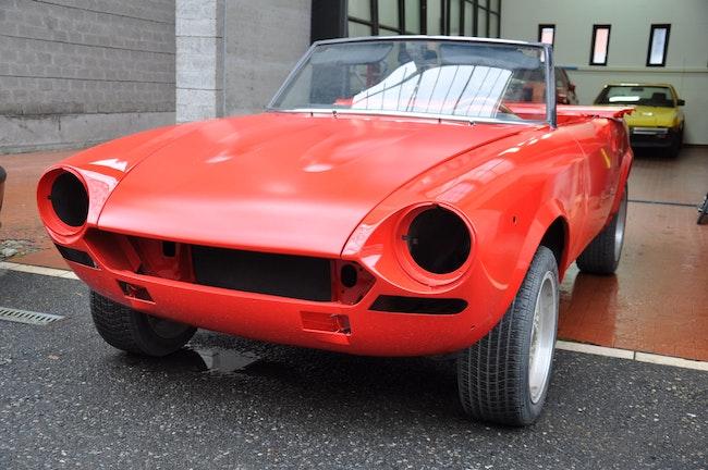 saloon Fiat Spider 124 Spider 1.6