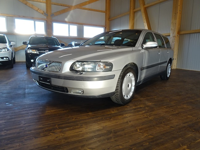 estate Volvo V70 2.4
