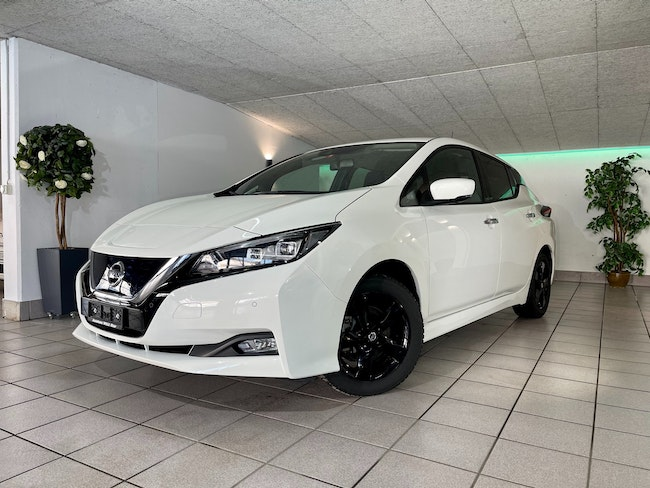saloon Nissan Leaf N-Connecta (incl. battery)