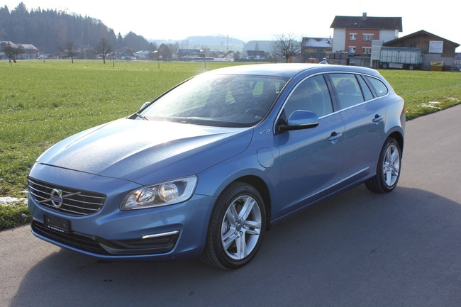 estate Volvo V60 D6 AWD Plug-in Hybrid Momentum Geartronic