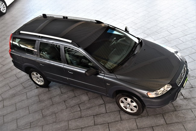 suv Volvo XC70 2.4D(D5)AWD Momentum
