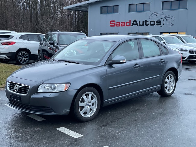 saloon Volvo S40/V40 S40 D3 Kinetic Geartronic