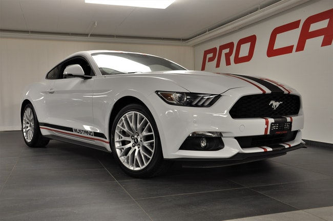coupe Ford Mustang Fastback 2.3 Automat