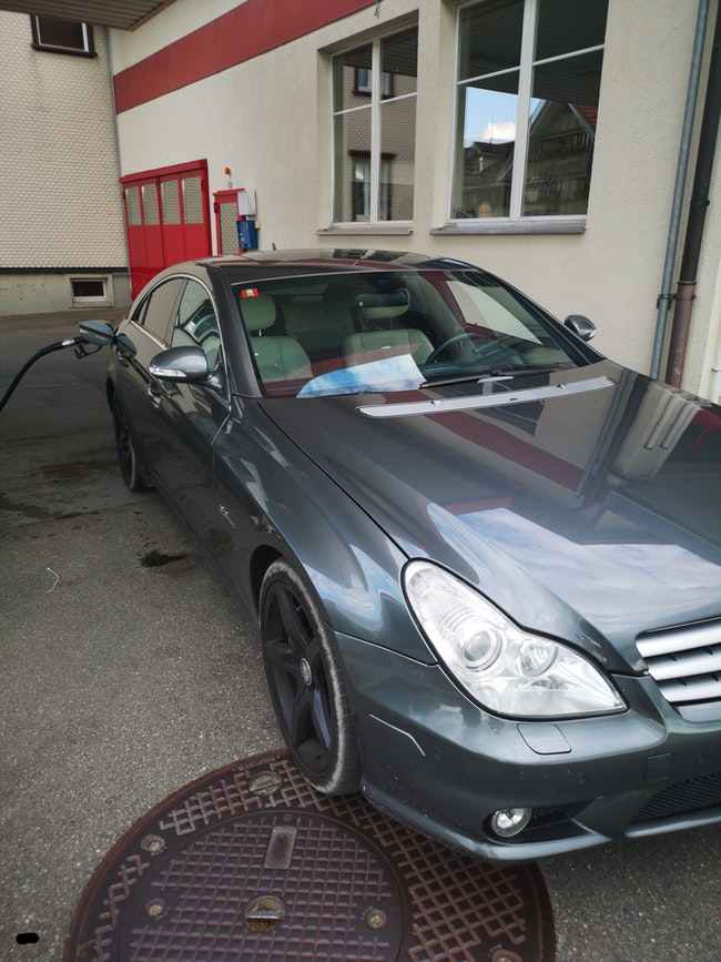 saloon Mercedes-Benz CLS 63 V8 AMG