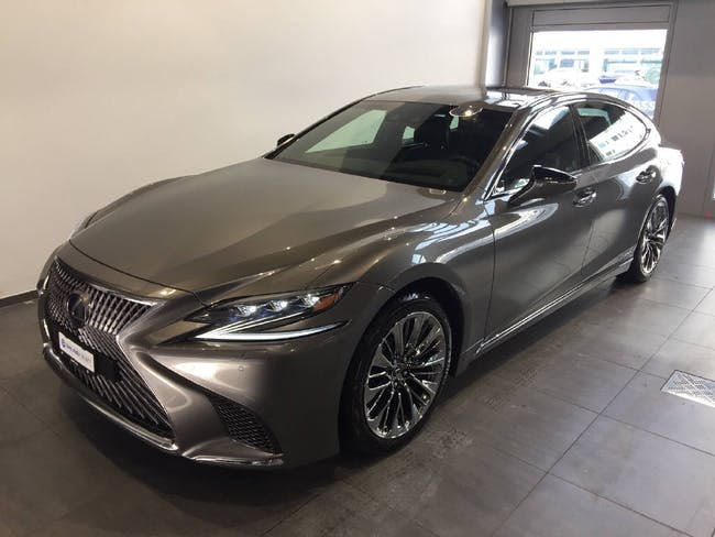 Lexus LS 500h Excellence AWD 359PS 14'200 km CHF125'900 - buy on carforyou.ch - 1