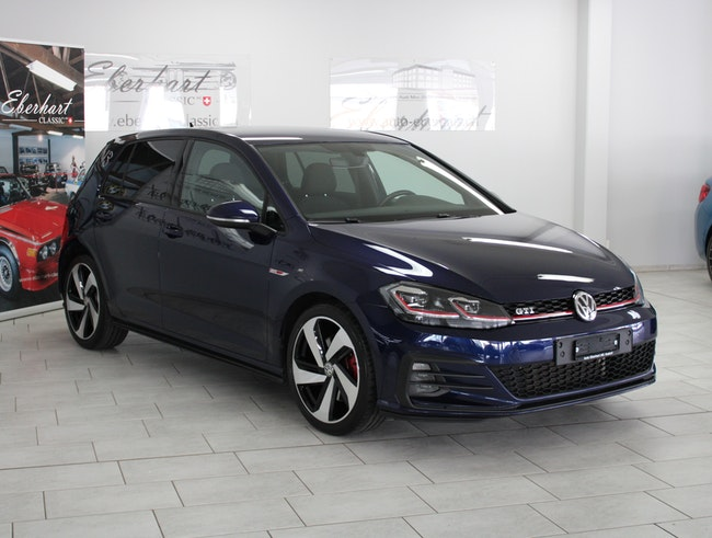 saloon VW Golf 2.0 TSI GTI