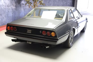 Ferrari 365 GT-4 9'000 km CHF139'900 - buy on carforyou.ch - 3