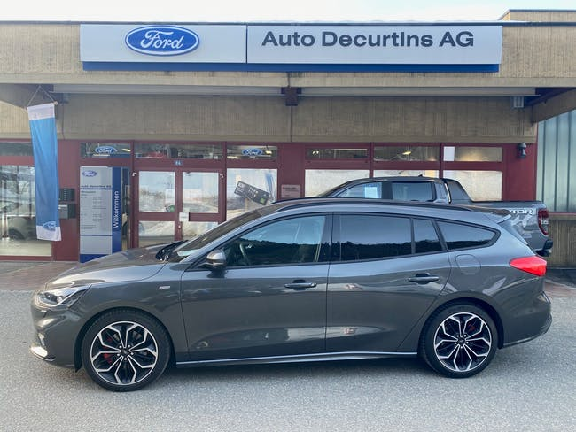 Ford Focus 2.0 TDCi ST Line Automatic 4'000 km CHF29'900 - buy on carforyou.ch - 1