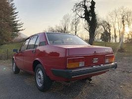 Alfa Romeo Alfetta 2.0L 250'000 km CHF14'900 - acquistare su carforyou.ch - 3