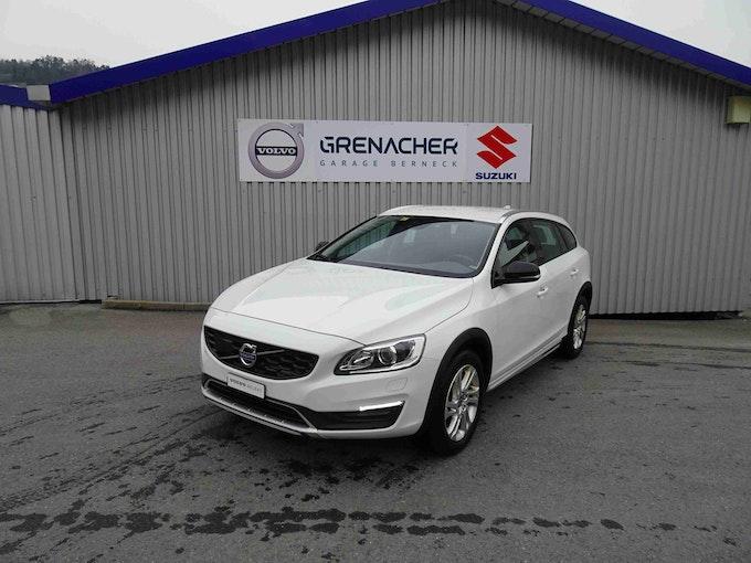 Volvo V60 Cross Country 2.0 D4 Momentum S/S 80'000 km CHF24'400 - buy on carforyou.ch - 1