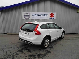 Volvo V60 Cross Country 2.0 D4 Momentum S/S 80'000 km CHF24'400 - buy on carforyou.ch - 3