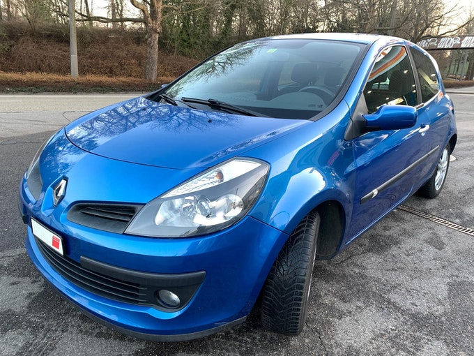 Renault Clio 1.6 16V Dynamique 213'417 km 2'499 CHF - acquistare su carforyou.ch - 1