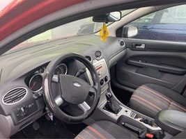 Ford Focus 1.6 TDCi EcoN Carving frSh 159'800 km 3'200 CHF - acquistare su carforyou.ch - 3