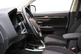 Mitsubishi Outlander 2.4 PHEV Style 12'399 km 35'500 CHF - buy on carforyou.ch - 3
