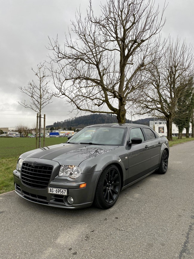 Chrysler 300 C 6.1 V8 HEMI SRT-8 95'500 km CHF21'900 - acquistare su carforyou.ch - 1