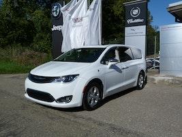 Chrysler USA Pacifica Hybrid 7'000 km 59'500 CHF - kaufen auf carforyou.ch - 3