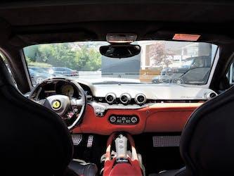 Ferrari F12 Berlinetta 8'900 km CHF219'900 - kaufen auf carforyou.ch - 3