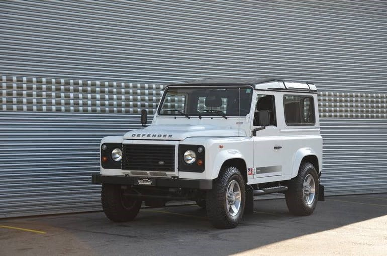 Land Rover Defender 90 2.2 TD4 Station Wagon Legend 47'900 km CHF44'900 - acheter sur carforyou.ch - 1