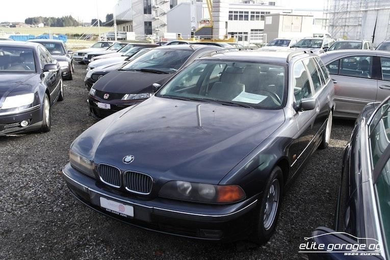 BMW 5er 523i Touring 112'300 km CHF6'800 - kaufen auf carforyou.ch - 1