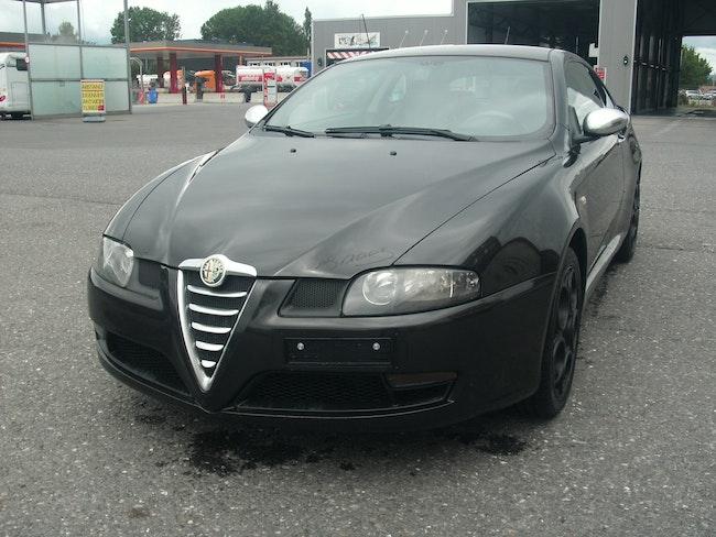 Alfa Romeo GT 1.9 JTD Black Line 145'000 km 4'999 CHF - acheter sur carforyou.ch - 1