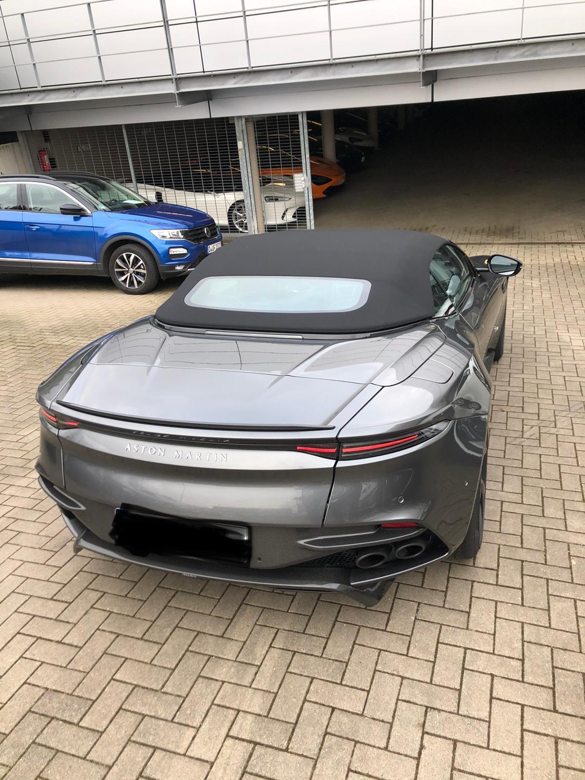 Vorführwagen Cabriolet Aston Martin Dbs Superleggera Volante 5 2 V12 Bi Turbo Km1500 Magnetic Silver 1500 Km Für 315000 Chf Kaufen Auf Carforyou Ch