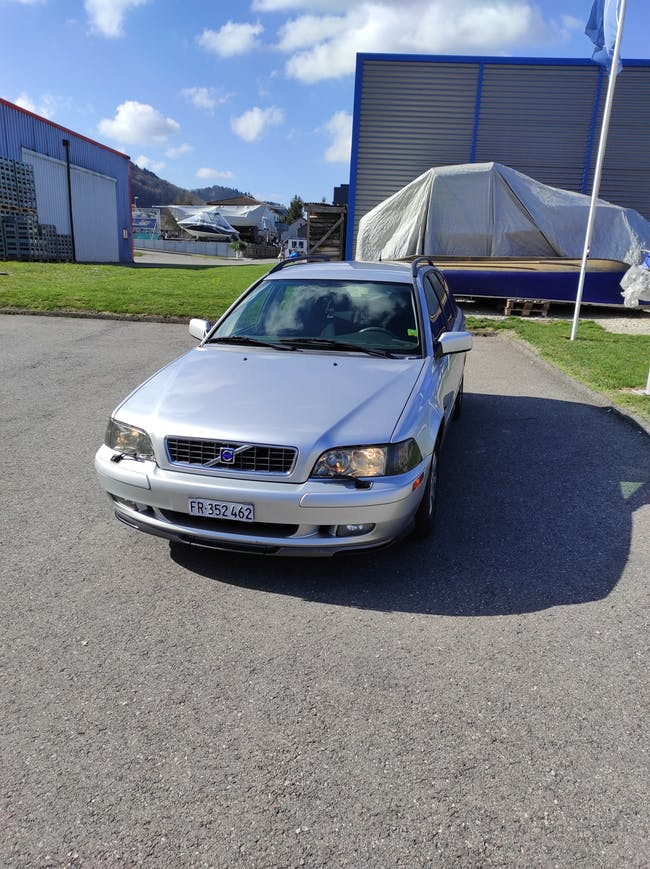 Volvo S40/V40 V40 2.0 16V T Nordic Premium 203'000 km CHF2'000 - buy on carforyou.ch - 1