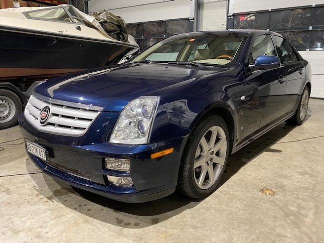 Cadillac STS CADILLAC STS 148'000 km 9'900 CHF - acheter sur carforyou.ch - 1