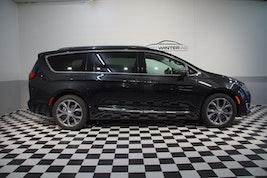 Chrysler USA Pacifica 3.6 V6 Limited 48'700 km CHF44'900 - buy on carforyou.ch - 3