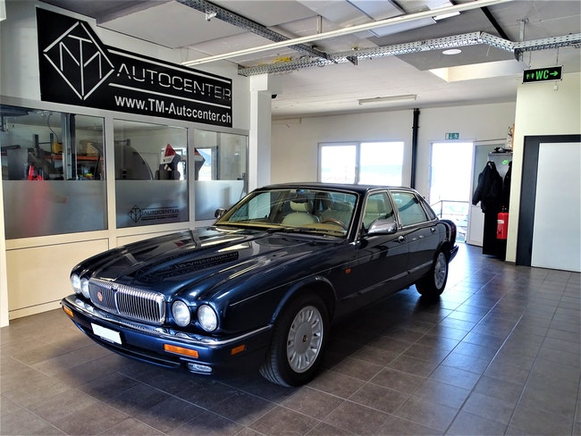 Daimler Double Six 6.0 Double Six 178'813 km CHF6'999 - acheter sur carforyou.ch - 1