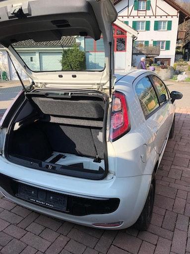 Fiat Punto Evo 1.4 8V 77 MyLife 34'354 km 5'000 CHF - acquistare su carforyou.ch - 1